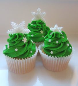 Christmas tree cupcakes, snoflakes, decorations, mint green sugarflair